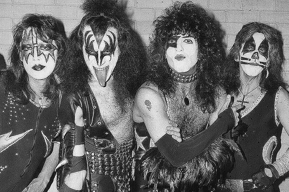 Paul Stanley Explains Why Reuniting Original KISS Lineup Is 'Impossible'