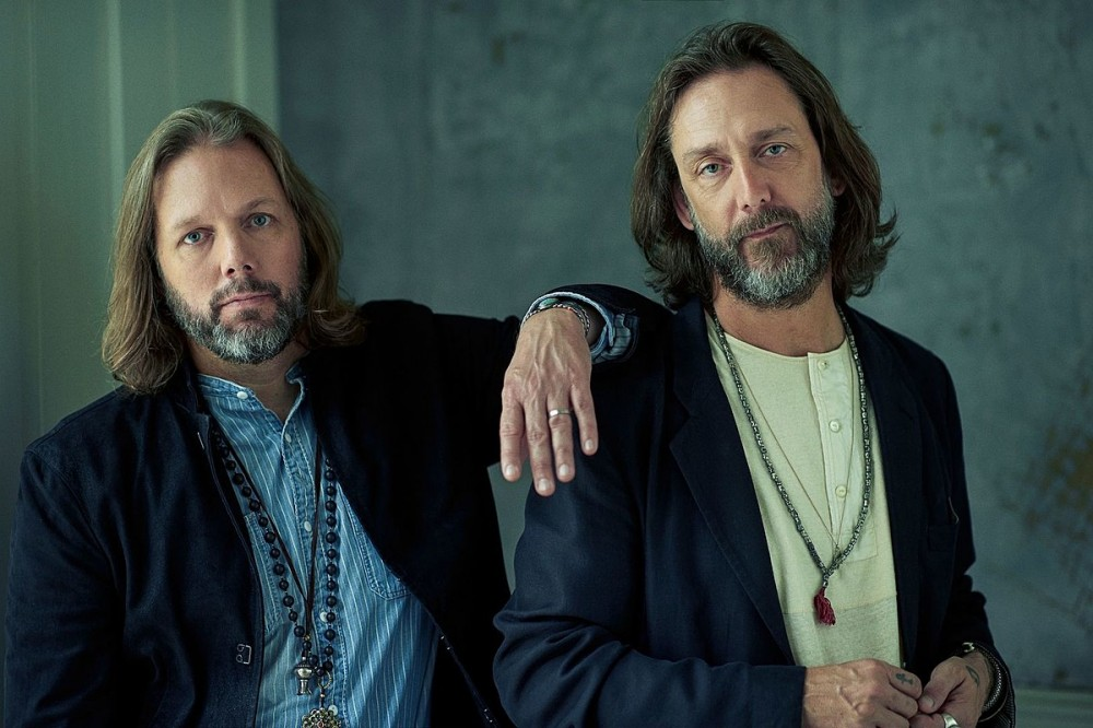 The Black Crowes Offer Advice for New Bands Who Don't Want to Conform