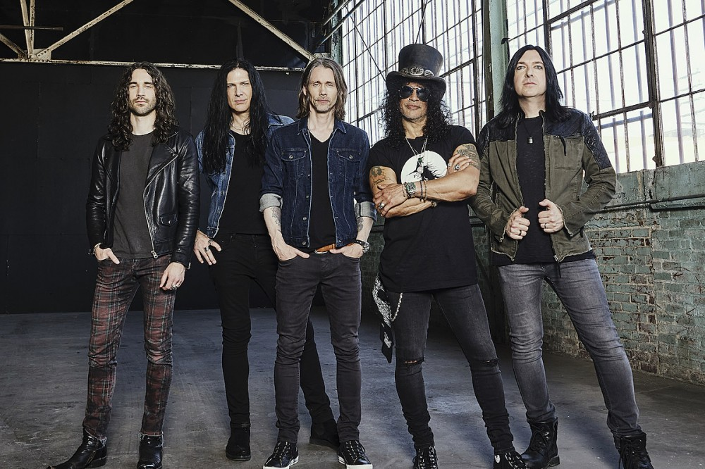 Slash Signs to New Gibson Record Label for Upcoming Album