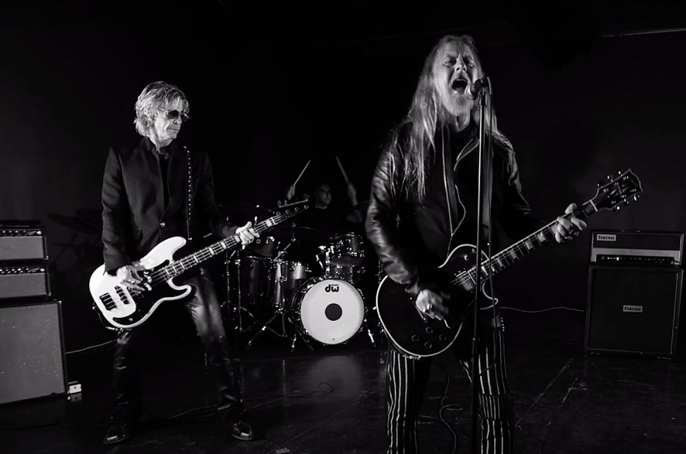 Alice in Chains' Jerry Cantrell Drops New Song 'Atone' With Duff McKagan + More