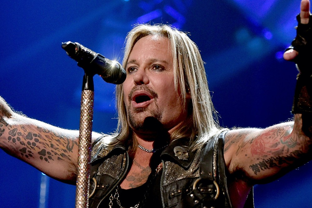 Vince Neil Returns to the Stage After Thwarted Festival Performance