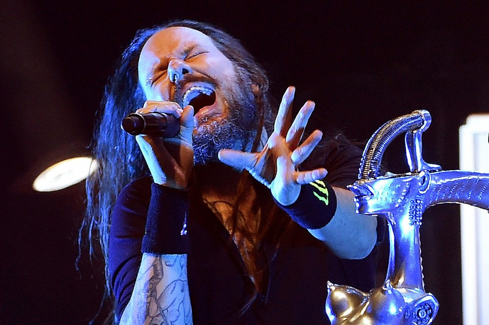 Jonathan Davis Tests Positive for COVID-19, Korn Reschedule Several Tour Dates + Cancel Two Others