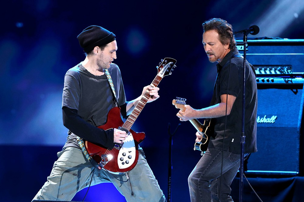 Pearl Jam Add Ex-Chili Peppers Guitarist Josh Klinghoffer to Touring Lineup