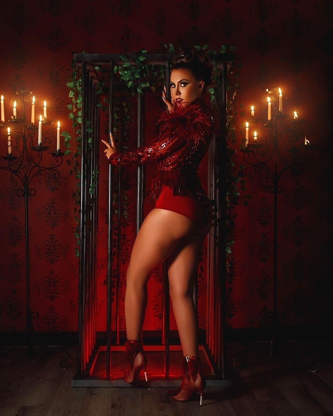 "Premiere: Raquel Kiaraa Is Stunning In Her New Music Video ""Love Got Me Sick"""